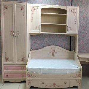 Композиция из шкафа, кровати с антресолями с фасадами с фотопечатью на МДФ от 36000 руб.