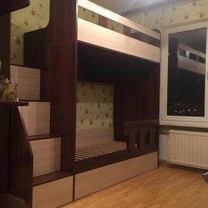Набор детской мебели из двухъярусной кровати и лесенки с выдвижными ящиками от 18000 руб.
