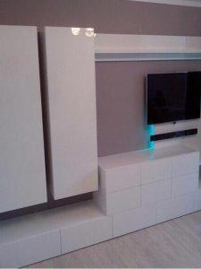 Мебельная стенка в гостиную с зоной под телевизор