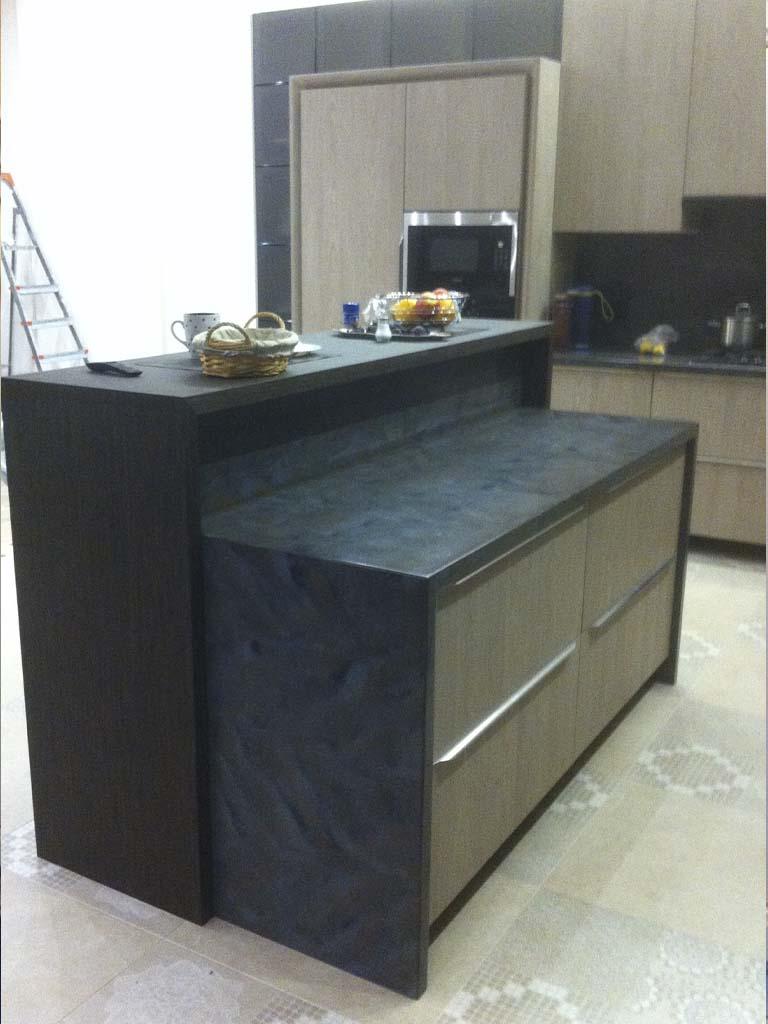 Кухонная мебель - стол и тумба
