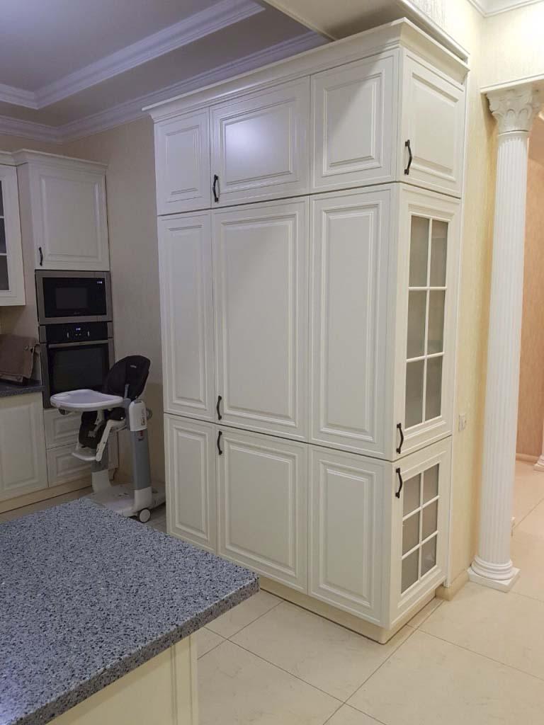 Кухонный шкаф для принадлежностей