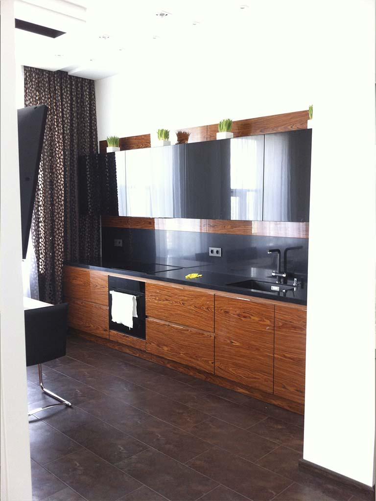 Темная мебель для кухни Москва