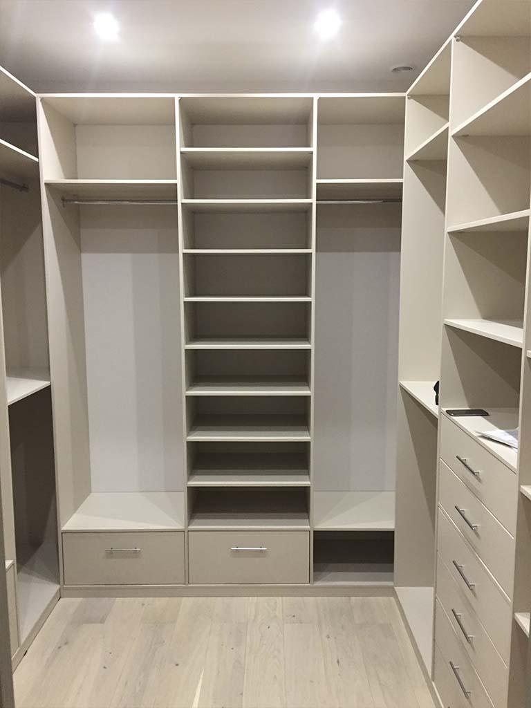 Мебель для гардеробной/спальни